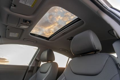 2020 Hyundai Ionic Electric - USA version 20