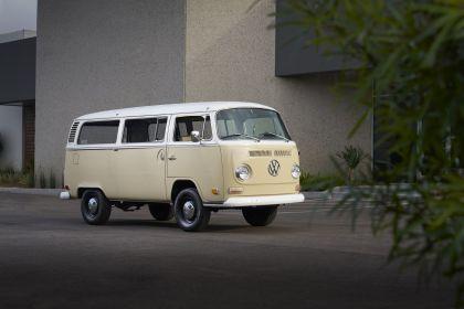 2019 Volkswagen Type 2 Bus Electrified concept 1