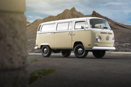 2019 Volkswagen Type 2 Bus Electrified concept 4
