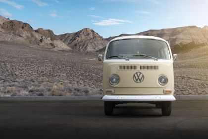 2019 Volkswagen Type 2 Bus Electrified concept 7