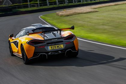 2020 McLaren 620R 27
