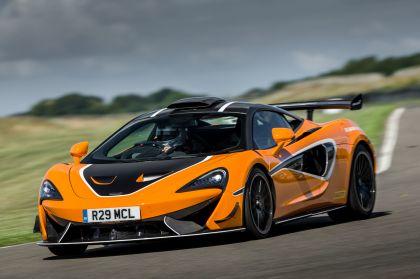 2020 McLaren 620R 29