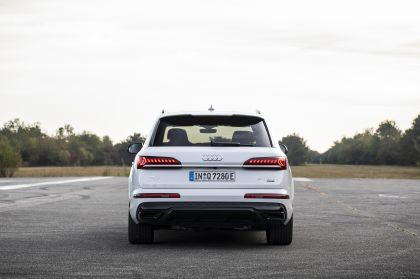 2020 Audi Q7 TFSI e quattro 6