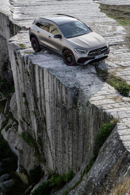 2020 Mercedes-Benz GLA 12