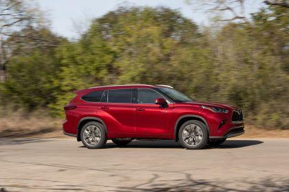 2020 Toyota Highlander Platinum Hybrid AWD 3