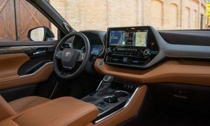 2020 Toyota Highlander Platinum Hybrid AWD 18