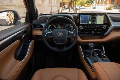 2020 Toyota Highlander Platinum Hybrid AWD 20