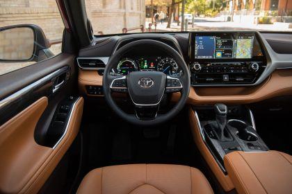 2020 Toyota Highlander Platinum Hybrid AWD 21