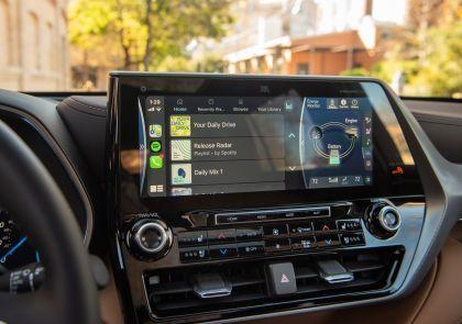 2020 Toyota Highlander Platinum Hybrid AWD 24