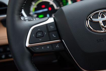 2020 Toyota Highlander Platinum Hybrid AWD 28