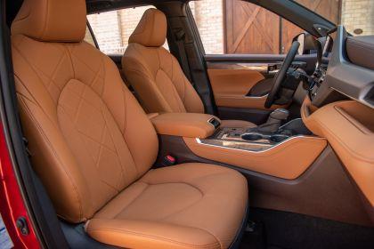 2020 Toyota Highlander Platinum Hybrid AWD 34