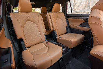 2020 Toyota Highlander Platinum Hybrid AWD 35