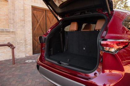 2020 Toyota Highlander Platinum Hybrid AWD 39