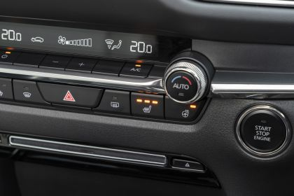 2020 Mazda CX-30 - UK version 153