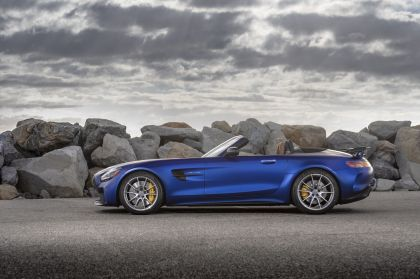 2020 Mercedes-AMG GT R roadster - USA version 7