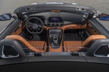 2020 Mercedes-AMG GT R roadster - USA version 32