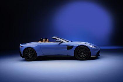 2021 Aston Martin Vantage roadster 2