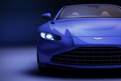 2021 Aston Martin Vantage roadster 6
