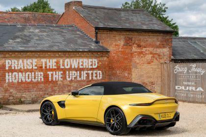 2021 Aston Martin Vantage roadster 23
