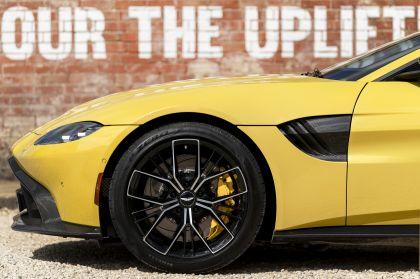 2021 Aston Martin Vantage roadster 26