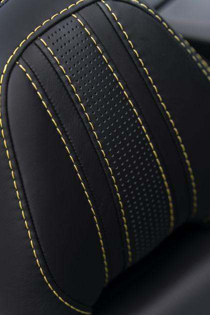 2021 Aston Martin Vantage roadster 36