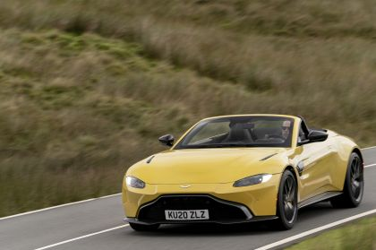 2021 Aston Martin Vantage roadster 52