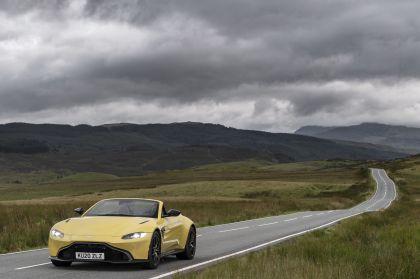 2021 Aston Martin Vantage roadster 64