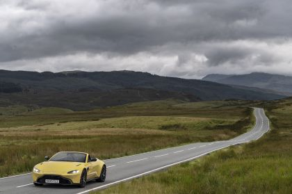 2021 Aston Martin Vantage roadster 65