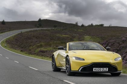 2021 Aston Martin Vantage roadster 68