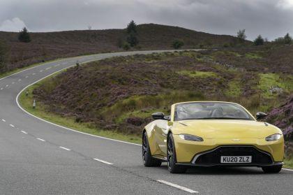 2021 Aston Martin Vantage roadster 69