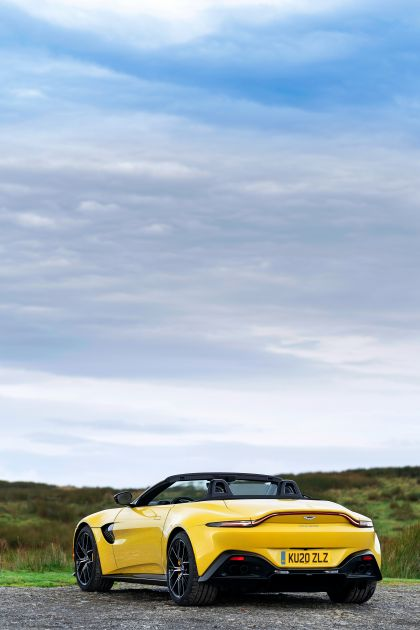 2021 Aston Martin Vantage roadster 74