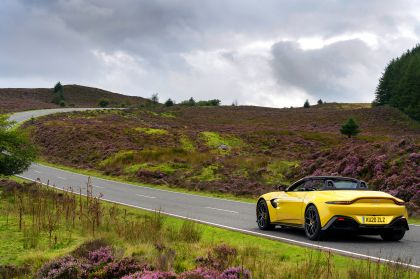 2021 Aston Martin Vantage roadster 83