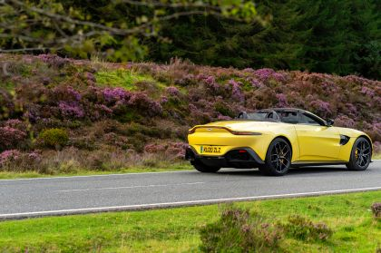 2021 Aston Martin Vantage roadster 112