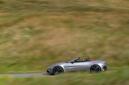2021 Aston Martin Vantage roadster 122