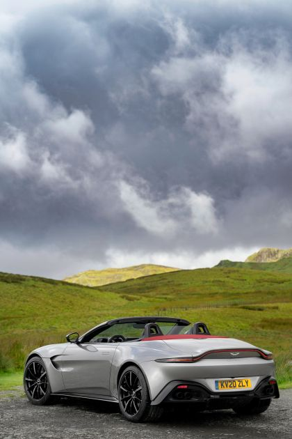 2021 Aston Martin Vantage roadster 133