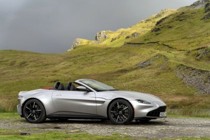 2021 Aston Martin Vantage roadster 153