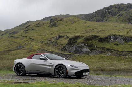 2021 Aston Martin Vantage roadster 157