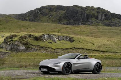 2021 Aston Martin Vantage roadster 158