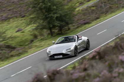 2021 Aston Martin Vantage roadster 166