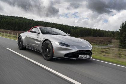 2021 Aston Martin Vantage roadster 168