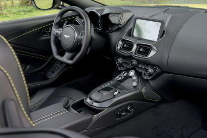 2021 Aston Martin Vantage roadster 195