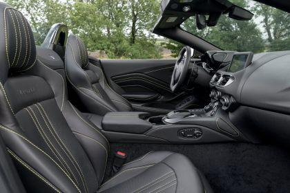 2021 Aston Martin Vantage roadster 196