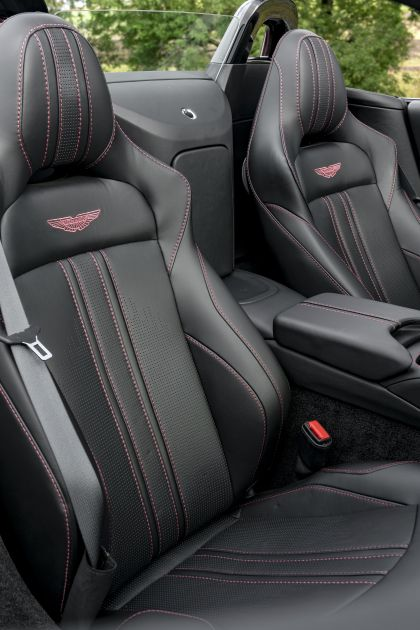 2021 Aston Martin Vantage roadster 200