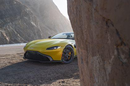 2021 Aston Martin Vantage roadster 210