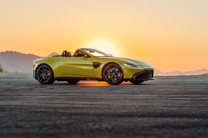 2021 Aston Martin Vantage roadster 230