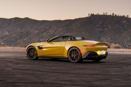 2021 Aston Martin Vantage roadster 235