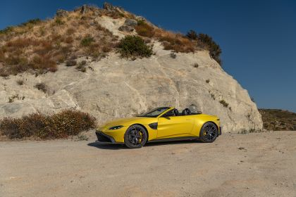 2021 Aston Martin Vantage roadster 236