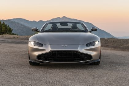 2021 Aston Martin Vantage roadster 305