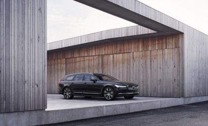 2020 Volvo V90 T8 AWD Recharge 2