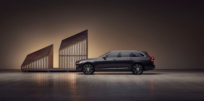 2020 Volvo V90 T8 AWD Recharge 6
